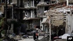 Funcionarios estadounidenses dijeron que el ataque se produjo cerca del pueblo de At Tanf y que destruyó al menos un tanque y una excavadora de milicia respaldada por el gobierno sirio.