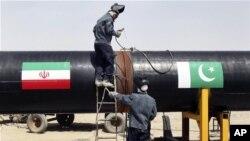 پاکستان میخواهد تا آخر دو سال آینده روزانه بیست و یک میلیون متر مکعب گاز از ایران وارد کند