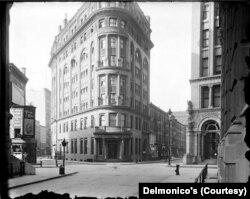 Nyu Yorkda yerləşən Delmonico's restoranı