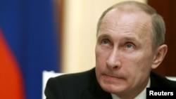 Presiden Rusia Vladimir Putin (Foto: dok). Rusia mulai memberlakukan undang-undang baru yang kontroversial, Rabu (14/11).