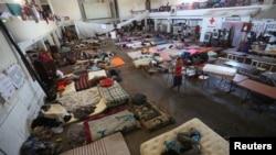 Wahamiaji wa Afrika na Haiti waliokuwa na azma ya kuomba hifadhi nchini Marekani, wakiwa Mexicali, Mexico, Oktoba. 5, 2016.