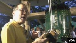 Presiden Filipina Benigno Aquino menyatakan pemerintahnya siap memulai perundingan lagi dengan kelompok separatis Moro.