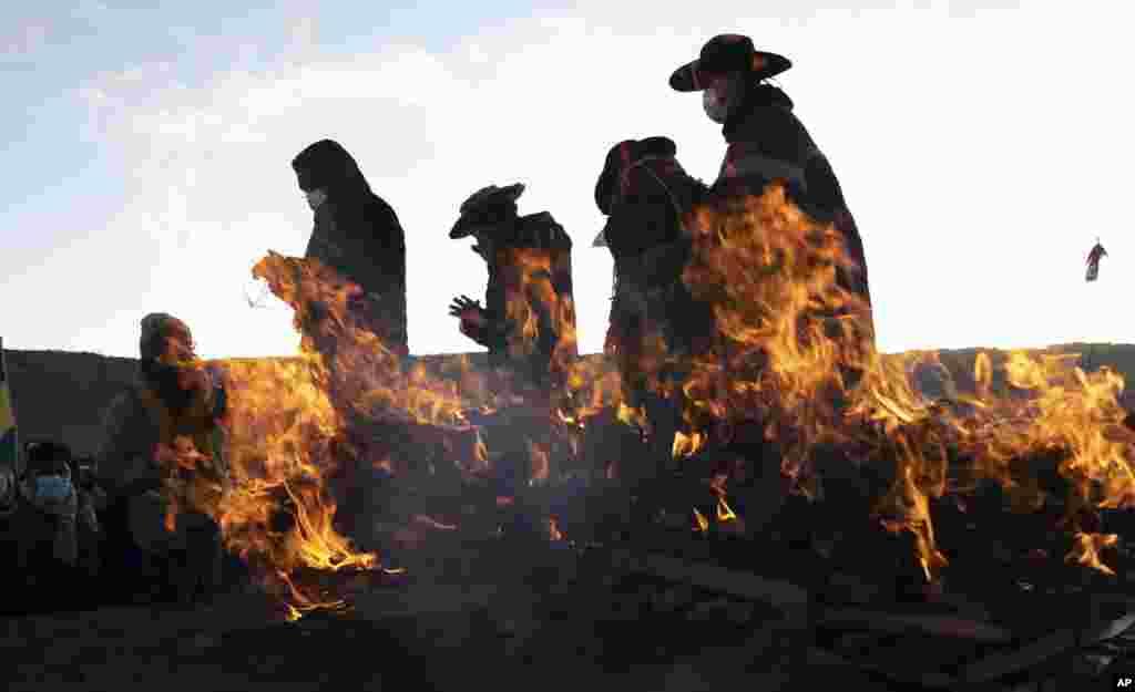 بخشی از مراسم مذهبی در شهر باستانی تیواناکو در بولویا