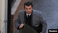 El capitán Francesco Schettino fue condenado a 16 años de cárcel por homicidio imprudencial. Su defensa dice que apelará la sentencia.