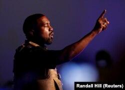 Rapper Kanye West di North Charleston, South Carolina, AS, 19 Juli 2020. (Foto: REUTERS/Randall Hill)