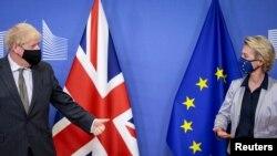 Britanski premijer Boris Džonson i šefica evropske diplomatije Ursula von der Lejen u Briselu