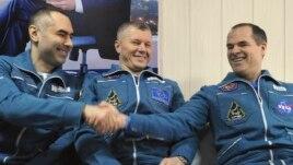 3 astronautë kthehen në Tokë nga SNH