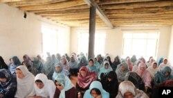 در فعالیت بخش سواد آموزی در بامیان ۱۵ فیصد افزایش آمده است
