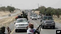 لیبیا: باغیوں نے حکومت قائم کرنے کے اقدامات شروع کردیے