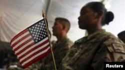 지난 4일 아프가니스탄 카불의 바그람 공군기지에서 미군들이 미국 독립기념일 행사에 참석했다.
