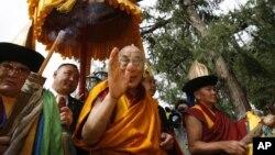 Hình tư liệu - Đức Đạt Lai Lạt Ma trong chuyến thăm Mông Cổ năm 2006.