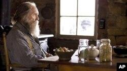 Robert Duvall u ulozi gunđavog usamljenika Felixa Busha