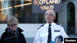 Assistant Commissioner Mark Rowley from the Metropolitan Police and Chief Medical Officer Sally Davies make a statement to the press concerning Sergei Skripal and his daughter, Yulia, who were poisoned by a nerve agent in the center of Salisbury, outside Scotland Yard in central London, March 7, 2018.