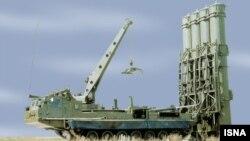 이란이 러시아에서 도입한 S-300 미사일 방어 시스템. (자료사진)