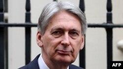 """Philip Hammond, ministro de finanzas de May, dice que se está avanzando en las discusiones para asegurar una garantía en el denominado """"backstop""""."""