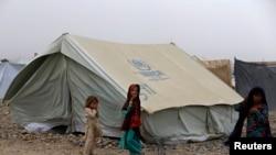 خوست کیمپ میں موجود قبائلی بچے
