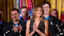 Đệ nhất phu nhân Melania Trump dự sự kiện giúp đỡ thương binh Mỹ ở Tòa Bạch Ốc, 6/4/2017