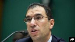 El vicepresidente de Optum/QSSI, Andrew Slavitt, fue uno de los ejecutivos que testificó sobre la página web del Obamacare.