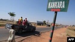 Un panneau routier de la ville de Kankara, après que des hommes armés ont enlevé des étudiants à Kankara, dans le nord-ouest de l'État de Katsina, au Nigeria, le 15 décembre 2020.