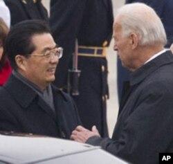 拜登副總統迎接胡錦濤到訪華盛頓