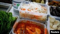 Kimchi and Pao Cai