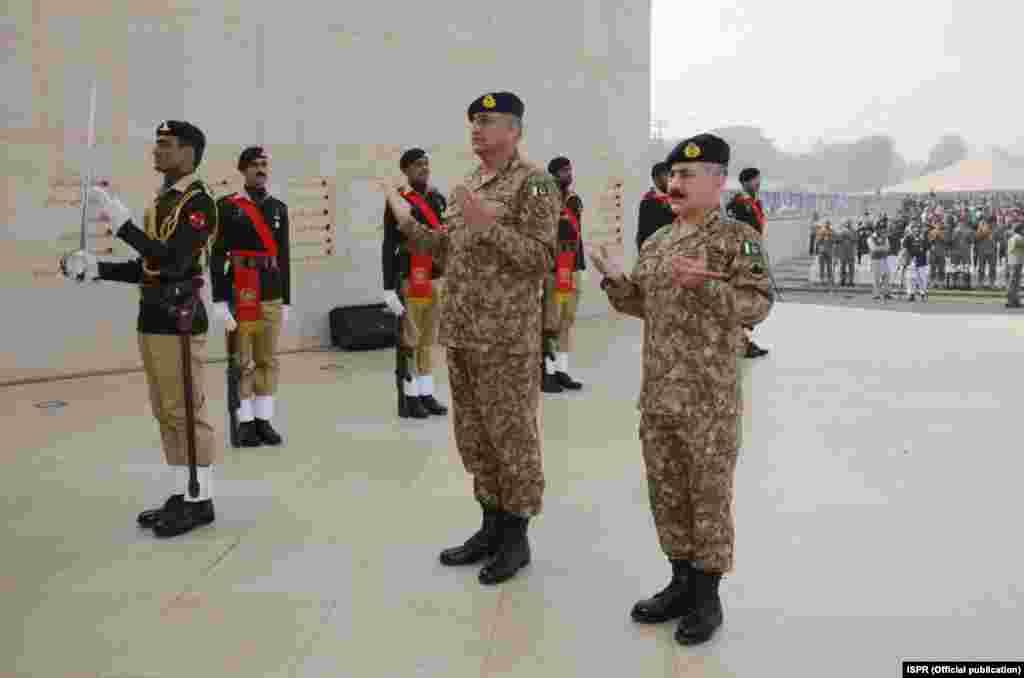آرمی پبلک سکول میں منعقدہ تقریب سے خطاب میں پاکستانی فوج کے سربراہ جنرل قمر جاوید باجوہ نے کہا ہے اس سکول کے بچوں اور دہشت گردی کے واقعات میں ہلاک ہونے والے تمام افراد کا خون ان پر قرض ہے۔