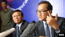 Party president Sam Rainsy returned from Europe, while vice president Kem Sokha returned from the United States, where they were seeking more support for the opposition.