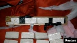 2012年美国缉毒局在佛罗里达州的迈阿密港口查缴的海洛因。(资料照片)