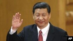 Xi Jinping diangkat menjadi pemimpin baru Partai Komunis yang berkuasa di Tiongkok, sekaligus ketua komisi militer di negara itu (15/11).