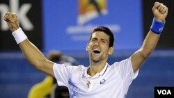 Novak Djokovic venció a Rafael Nadal en la final más larga de la historia, tras 5 horas y 53 minutos en Melbourne, Australia.