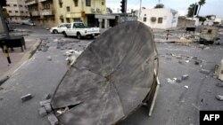 Người biểu tình ở Bahrain thiết lập các chướng ngại vật trong khu vực của người Shia ở Manama, ngày 17/3/2011