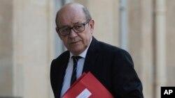 Le ministre de la défense Jean-Yves Le Drian à Paris, le 7 avril 2017.