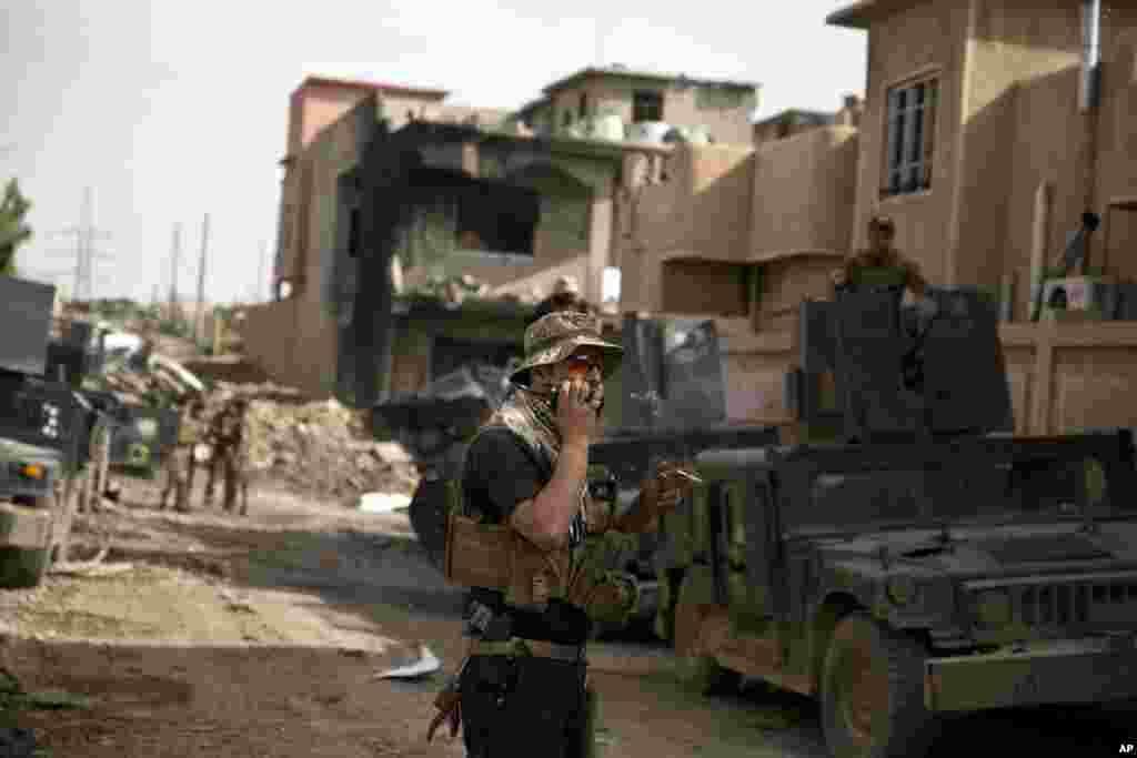 مغربی موصل میں عراقی فوج اور شدت پسند تنظیم داعش کے جنگجوؤں کے درمیان لڑائی جاری ہے۔