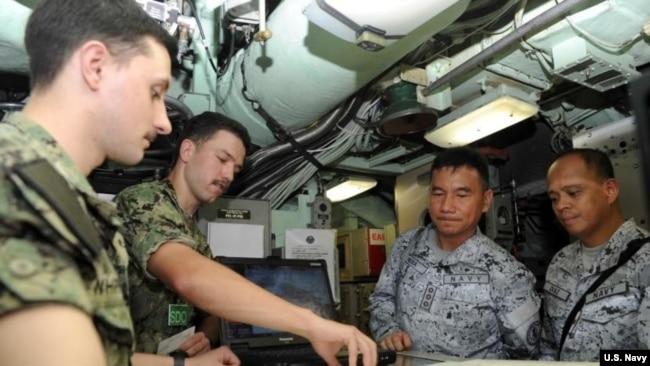 菲国防部长再称有必要检讨美菲共同防御条约的时效