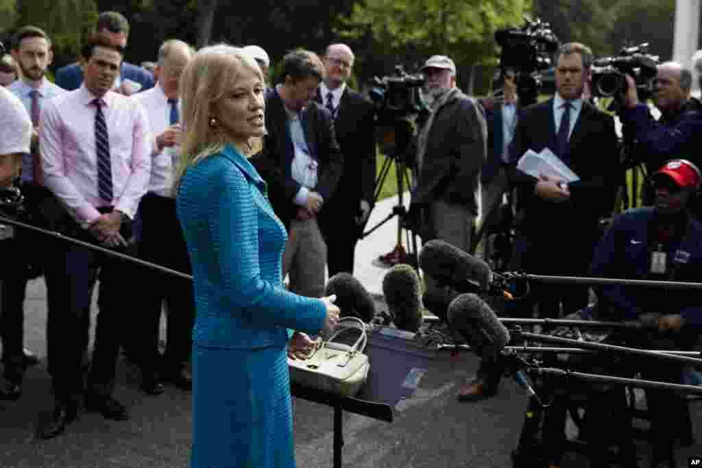 کلیآن کانوی، مشاور رئیس جمهوری آمریکا روز سهشنبه ۱۰ اردیبهشت و در گفتوگویی با شبکه تلویزیونی فاکس نیوز گفت کاخ سفید شرایط ونزوئلا را به دقت زیر نظر دارد.
