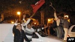 Tunisda avtoritar prezident Zin al-Abidin Ben Alini qochirgan namoyishlar ortida yoshlar, internet ixlosmandlari, bloggerlar turgan.