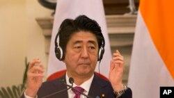 """Ông Abe nói: """"Một nước Ấn Độ hùng mạnh có lợi cho Nhật Bản và một nước Nhật hùng mạnh có lợi cho Ấn Độ, đây là niềm tin căn bản của tôi."""""""