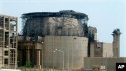 Vue générale d'un second réacteur en construction à la centrale nucléaire de Bushehr (1,200 km au sud de Téhéran)