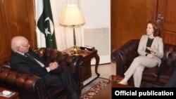 دیدار لارل میلر نماینده ویژه آمریکا در امور افغانستان و پاکستان با سرتاج عزیز با مشاور نخست وزیر پاکستان - ۵ دسامبر ۲۰۱۶