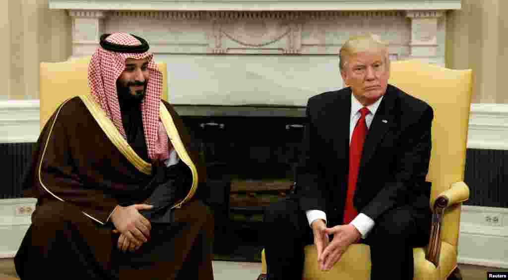 Hotunan ziyarar Ministan tsaro na kasar Saudiya Yarima Muhammad Bin Salman tare da Shugaba Donald Trump a fadar White House, ranar 15 ga watan Maris 2017.