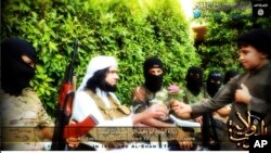 Umutegetsi wa gisirikare wa ISIS muri Iraki, Abu Wahib ariko aha ishurwe umwana