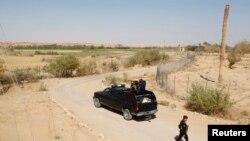 이라크 경찰이 시리아 알부카말 인근 접경 지역을 순찰하고 있다. (자료사진)