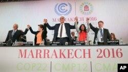 Nhiều nước kêu gọi ông Donald Trump tham gia cuộc chiến chống lại hiện tượng tăng nhiệt toàn cầu.