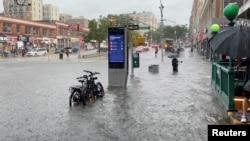 Фото: вхід до станції метро в Нью-Йорку на 157-ій вулиці, 8 липня 2021 року
