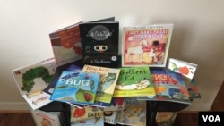 The DC Books from Birth program features a wide variety of books, many in dual languages. (J.Taboh, VOA)