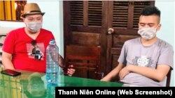 Hai trong số những người Trung Quốc nhập cảnh trái phép bị công an Quảng Nam trục xuất qua cửa khẩu Lạng Sơn hôm 8/8/2020. (Ảnh chụp màn hình Thanh Niên)