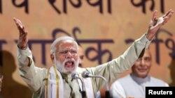 PM India Narendra Modi berbicara kepada para pendukung partai Bharatiya Janata Party (BJP) di New Delhi bulan lalu (foto: dok).