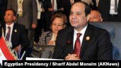 Presiden Mesir Abdel-Fattah el-Sissi saat menghadiri KTT Liga Arab (foto: dok). Pemerintahan el-Sissi melakukan penindakan keras terhadap kelompok Ikhwanul Muslimin.