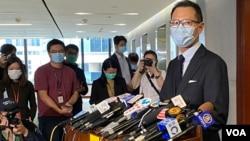 香港公民党法律界立法会议员郭荣铿表示,解决内会主席选举困局,要靠议员集体智慧,包括外国经验的政治协商等方式。 (美国之音/汤惠芸)
