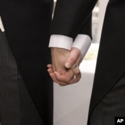 Malawi Court Keeps Same-Sex Couple in Jail, Pending Verdict